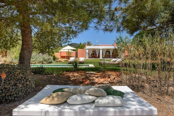 Villa Can Marina im Boho-Stil mit Pool