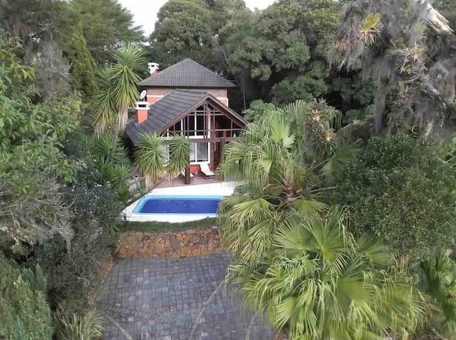 Casa no condomínio Quinta da Serra- Centro Canela
