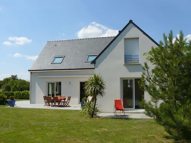 Grande maison dans les champs et proche des plages - Carnac - Huis