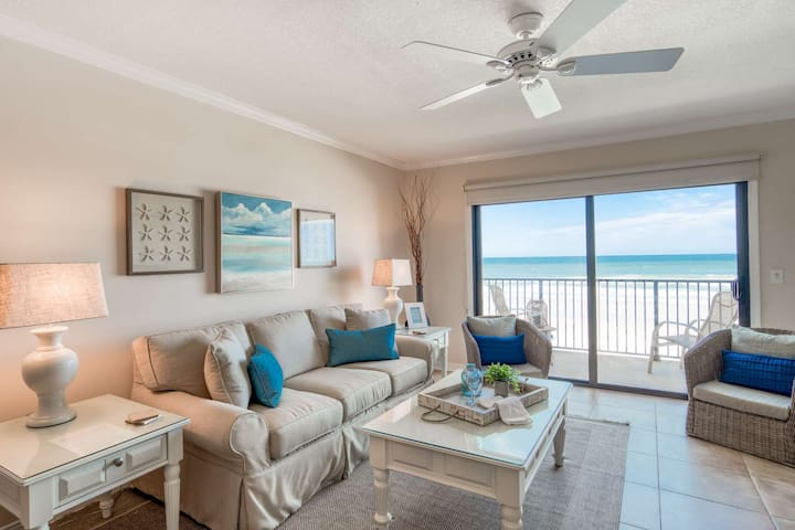 Oceanfront Sunrise every morning!! Relaxing beachfront w/Heated Pools, Tennis, Free Parking & more!