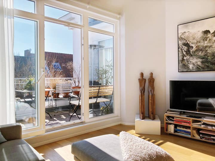 Sunny Loft with 2 Terraces & Lift in Schöneberg