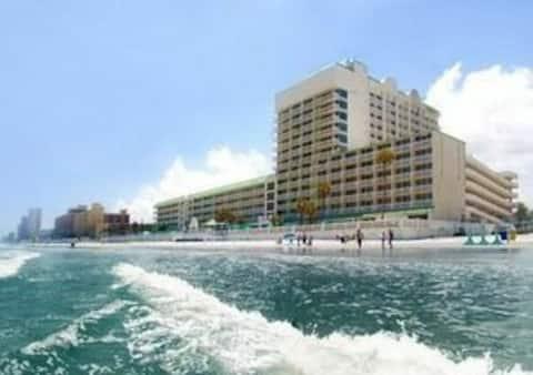 N Daytona Beach Studio Cityview  с кухней с 3 бассейнами