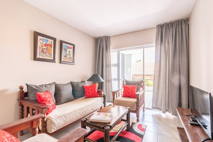 Centurion Central 2bed WiFi ideal for business.