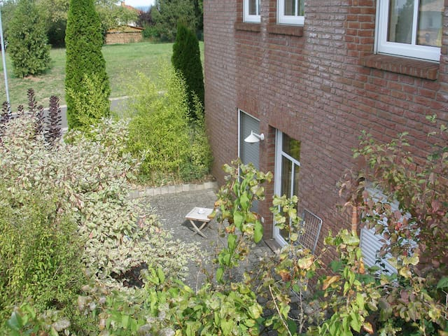 Schöne, ruhig gelegene Wohnung in Stadtrandlage - Sankt Wendel - Apartamento