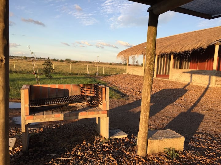 Cabaña sencilla y limpia, acceso a parque termal