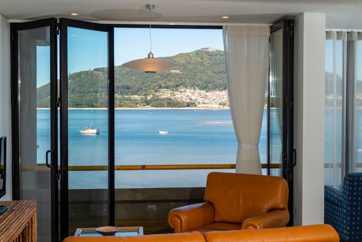 Apartamento com vista rio e mar, em Caminha