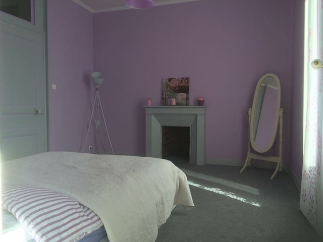 Chambre confort - Ravigny - Bed & Breakfast
