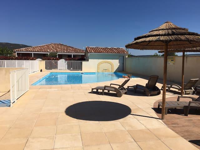 Maison avec piscine - Vallon-Pont-d'Arc - Hus