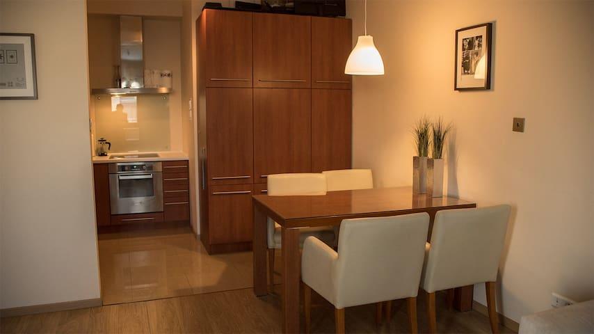 Independet Apartment with 2 rooms - Warszawa - Leilighet