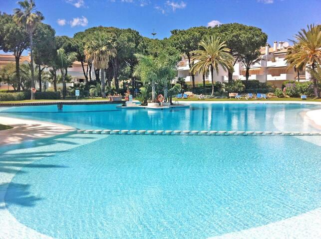 Exclusive Apartment El Presidente 5 pools garden