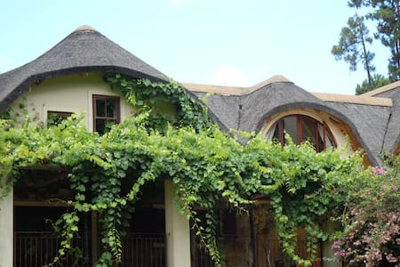 Peaceful self-catering getaway - Grabouw