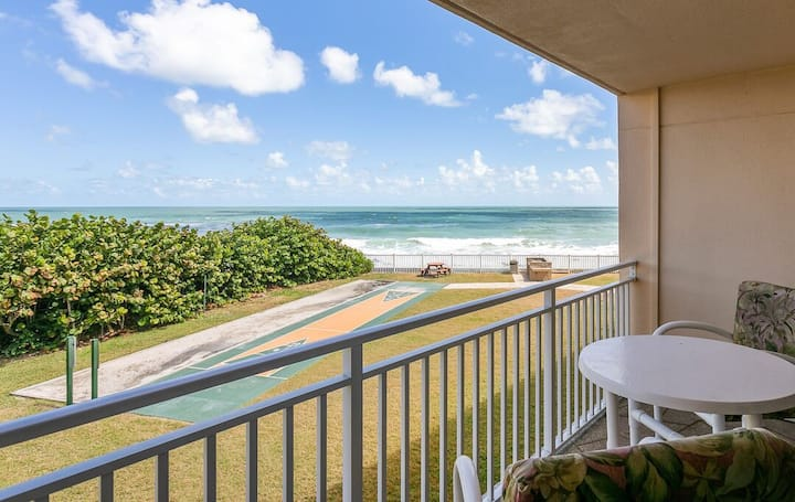 On the Beach - Family + Pet Friendly - Great Views