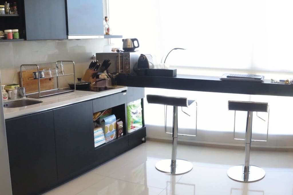 Kitchen and dining corner