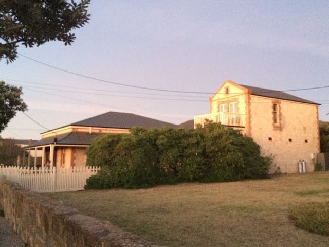 Charteris House, Pt. Elliot central -Sleeps 11