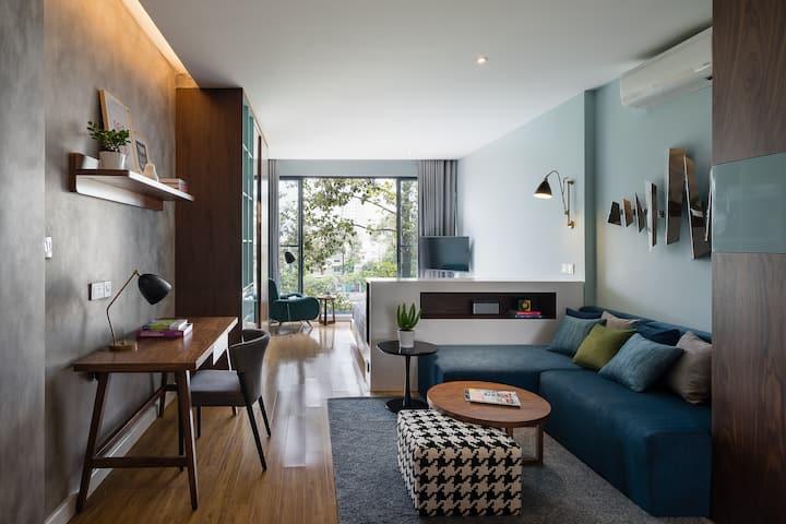 Stay & Work in Modern Riverfront Apt w/ Best Views