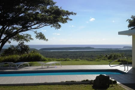 Abreeze Studio Three Acre Hilltop Villa in Destino - Puerto Ferro - Huvila