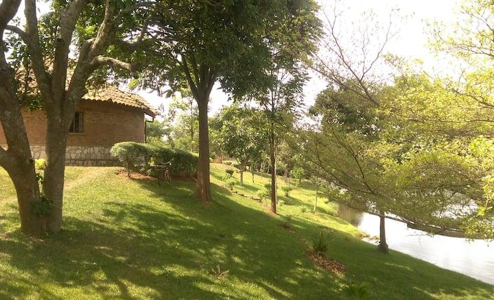 """Inkeri 2"" - Cottage with views of Lake Muhazi"