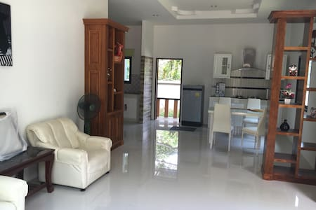 Beautiful modern house in Khao Lak - Khao Lak - House