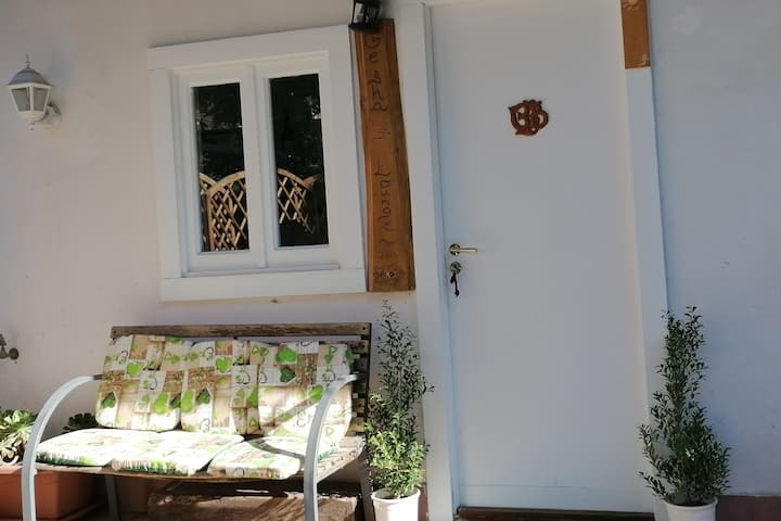 Cosy suite in a private area