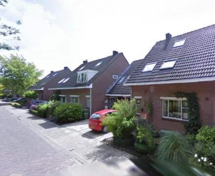 House (2 bedrooms) - 30min Amsterdm
