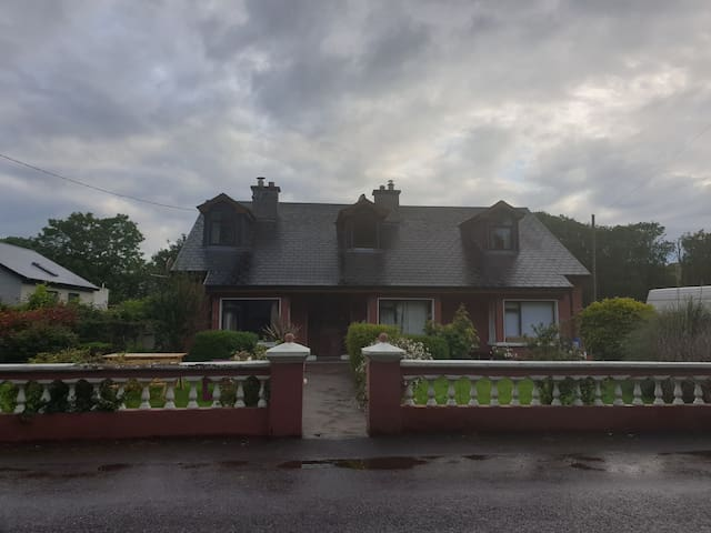 Warm and Welcoming Country Home Cork
