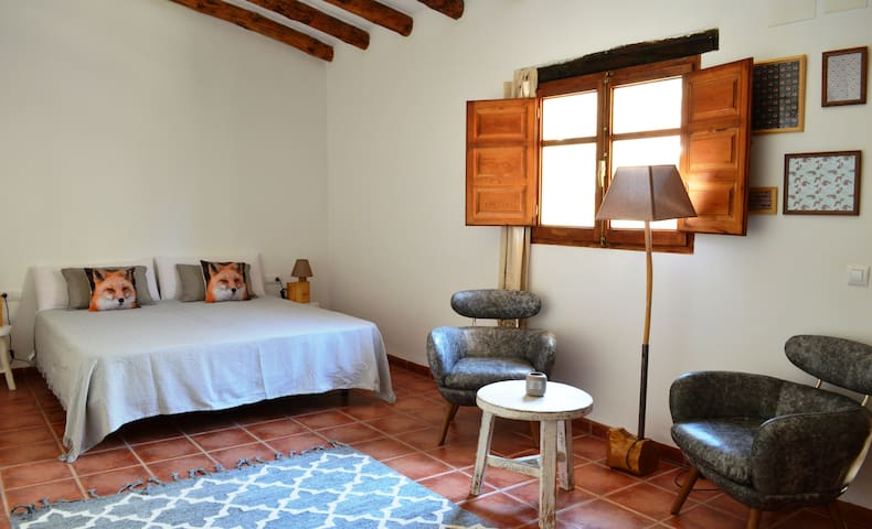 Rustic 2 pers B&B room with terrace and pool - Benali - Bed & Breakfast