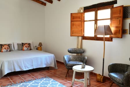 Rustic 2 pers B&B room with terrace and pool - Benali