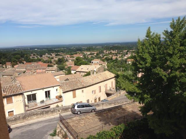 appart hauteurs vieux village - Robion - Apartment