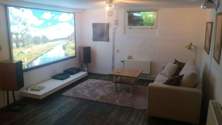 60 m2 basement in Alingsås - Alingsås - 別荘