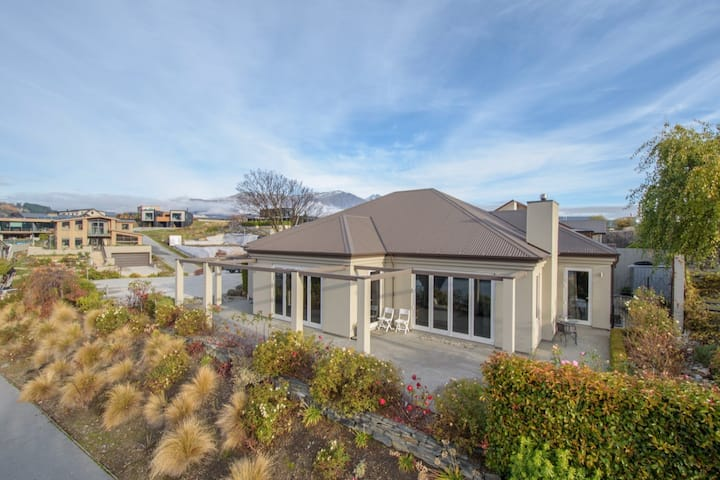 Arrowbrae - Large Cosy Home in Beautiful Arrowtown