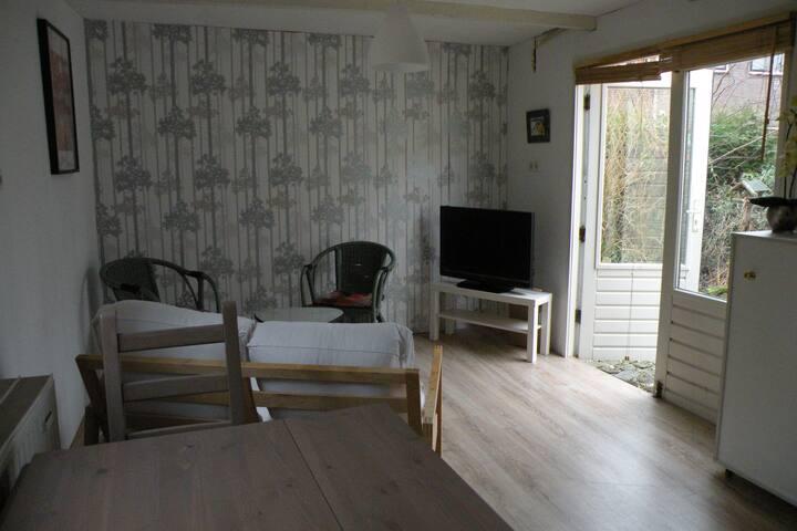 Leuk zomerhuis in Sassenheim - Sassenheim - Blockhütte