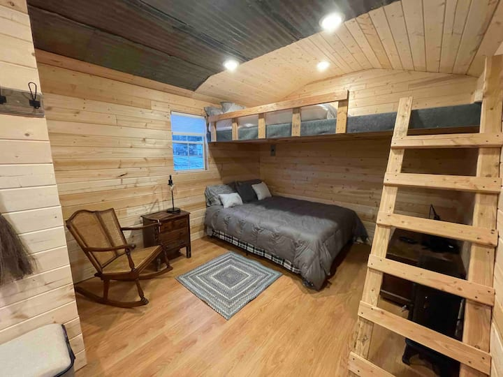 Charming tiny house on equestrian property