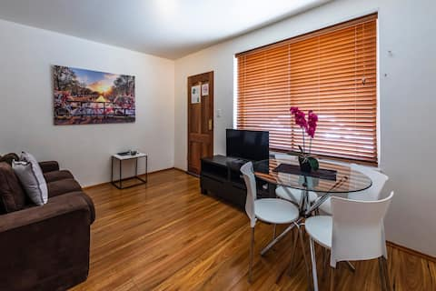 Close to Everything, QN Bed, St Kilda Apartment