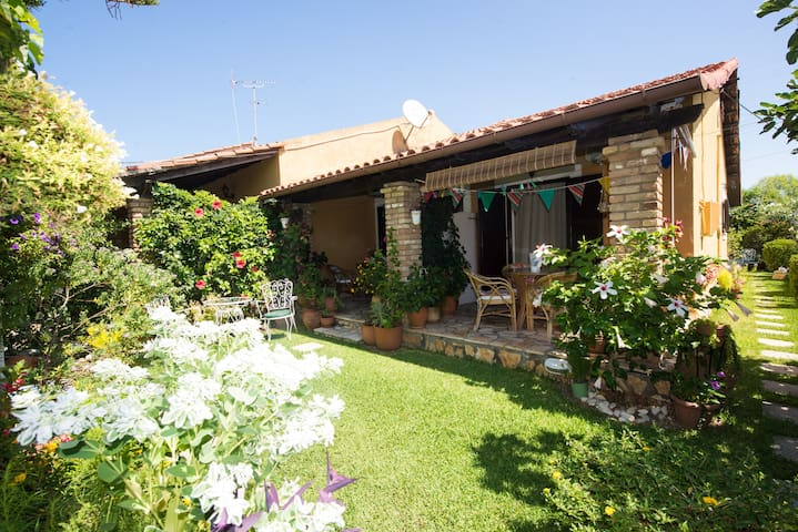 Family Garden Escape Apartment  | Villa Tina