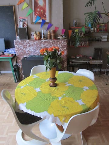 Light and colourful retro apartment - Antwerpen - Wohnung