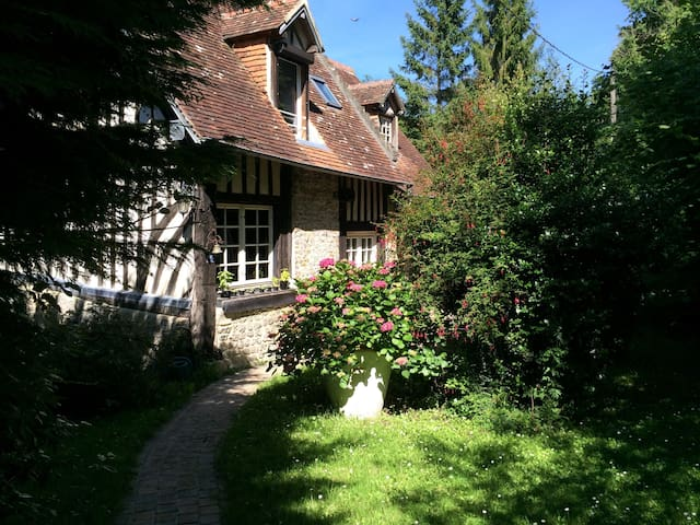Charming Normandy house, seaview, amazing site - Dives-sur-Mer - Casa