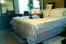King Luxury Posturpedic Mattress Feel like a King & Queen rest & feel rested
