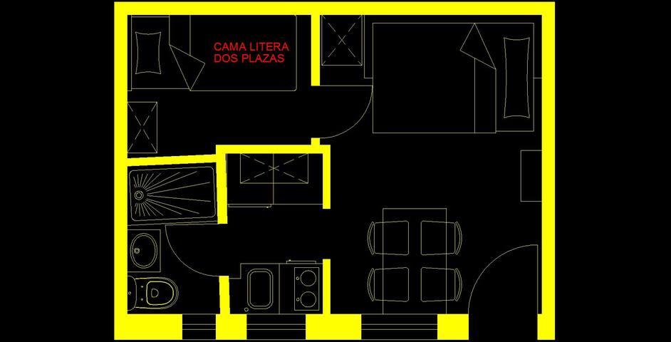 Plano de la vivienda. Sofá-cama de salón convertido en cama de matrimonio