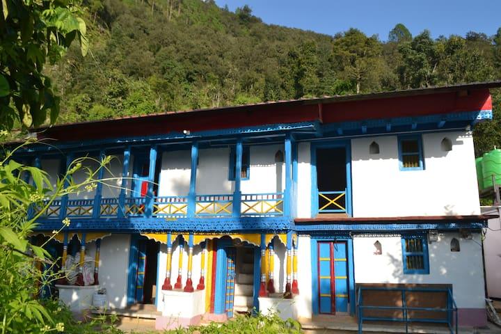 Himalayan Mountain Home ,  - Kimana, Ukhimath