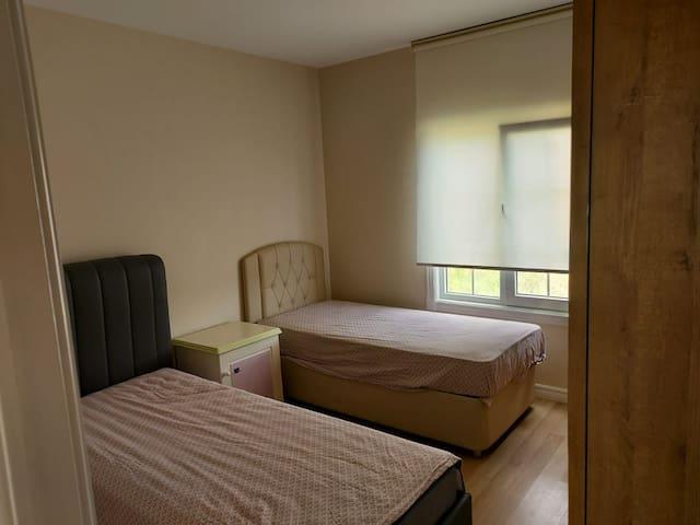 90×200 iki adet bazalı yatak