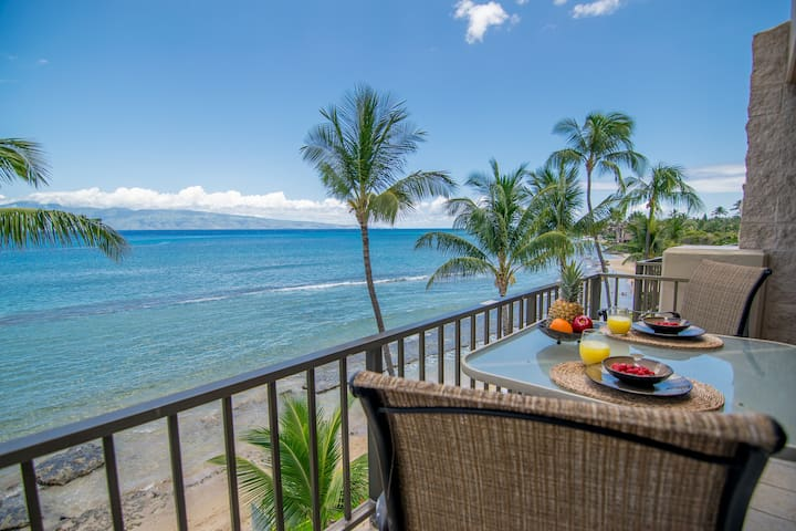 Oceanfront Studio Condo on the Kaanapali Coast