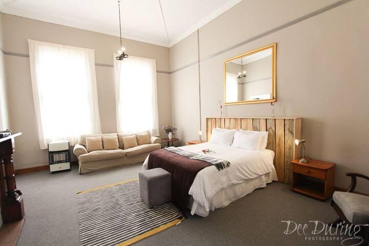 Room4 The Rosetta Hotel