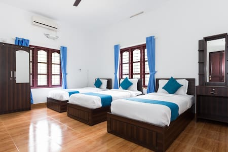 Three bedded comfort room in Sulthan Bathery - Sultan Bathery