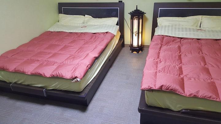 ♥Chungjeong-ro Stn 1Min.♥ Family Room #106