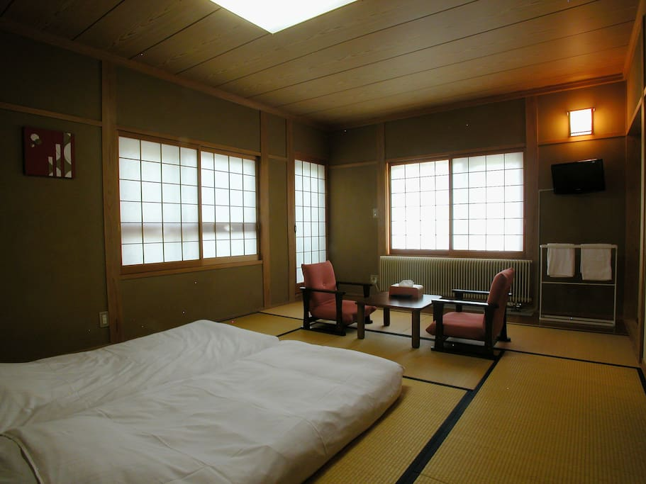 Japanese room w balcony b b koyuki bed and breakfasts for Bed and breakfast tokyo
