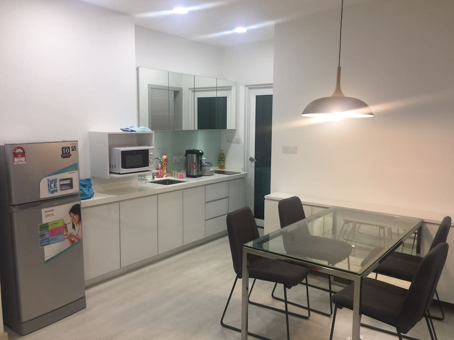 new style kitchen design and dining table