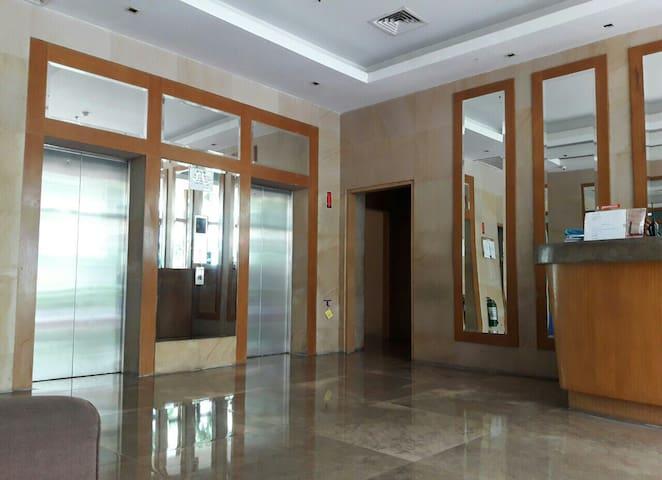 2 Reliable Elevators