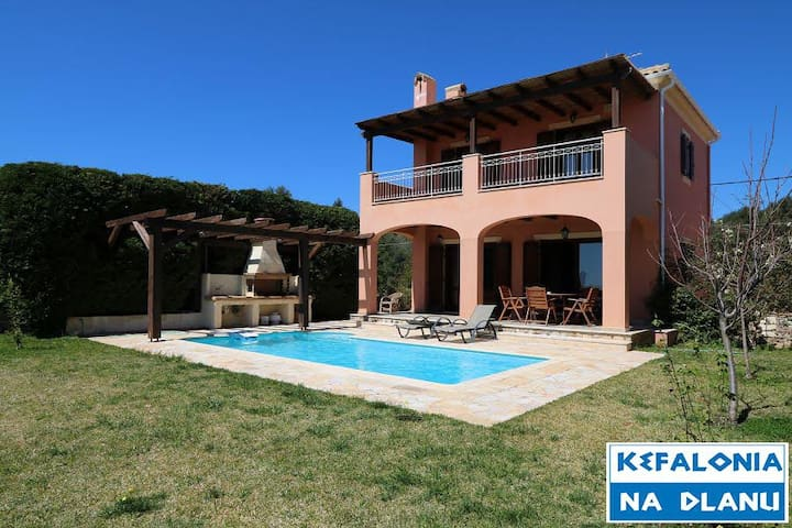 Villa Marianthi with pool | Free airport pick up
