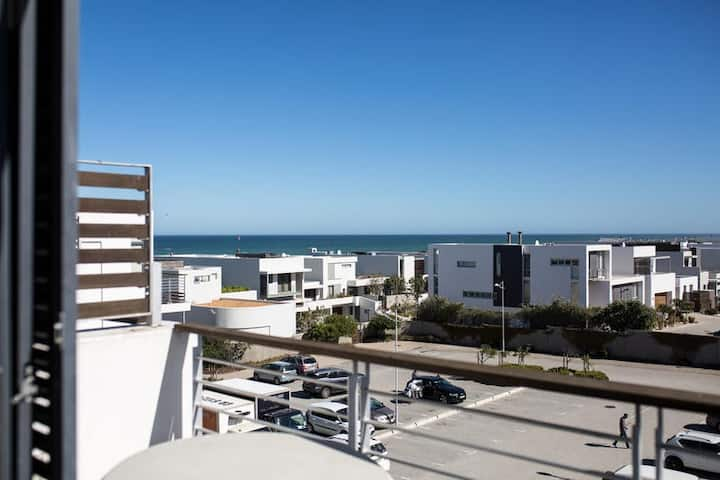 Ocean Views 1 Bed Apartment Eden 262 with
