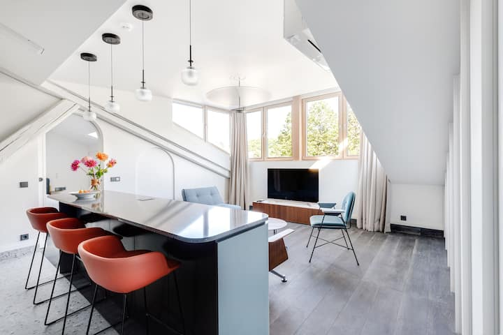 SKY Loft Telegrafas Apartments Kaunas by Houseys